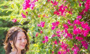 鮮やかに咲く花とともに